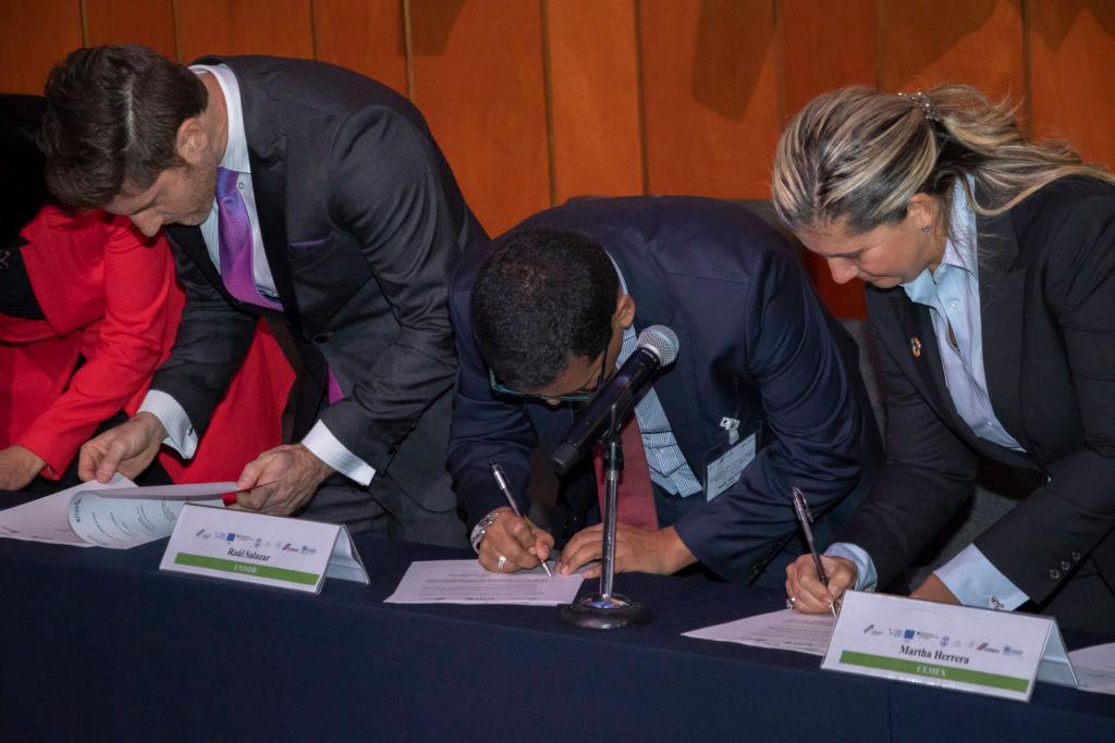 Establecen ARISE, la red mexicana público-privada para prevenir desastres.